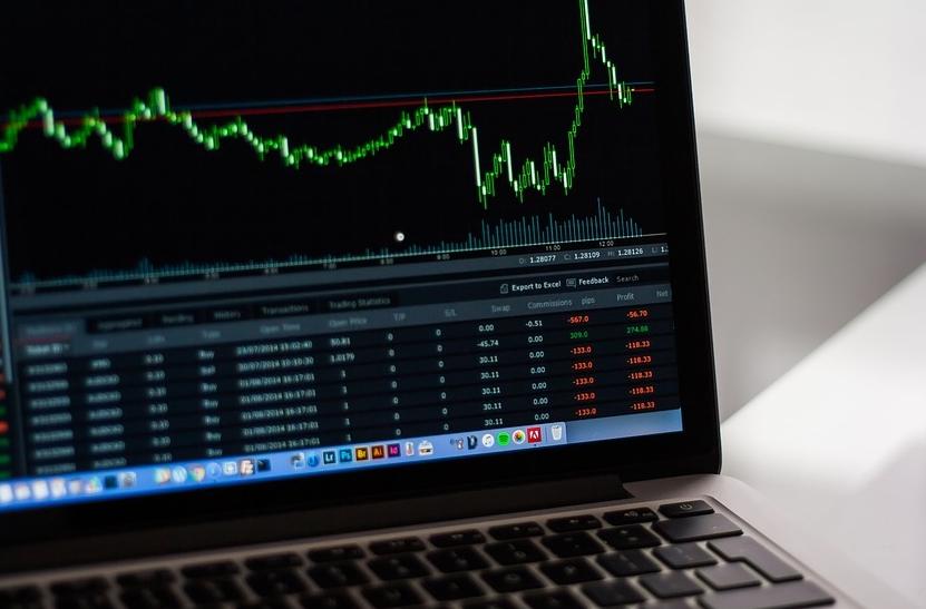 【理財專知】基金跟股票有什麼差?買了股票還需要買基金嗎?