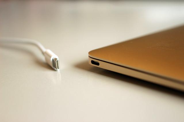 什麼是USB Type-C?常見的手機連接埠有哪些?-1