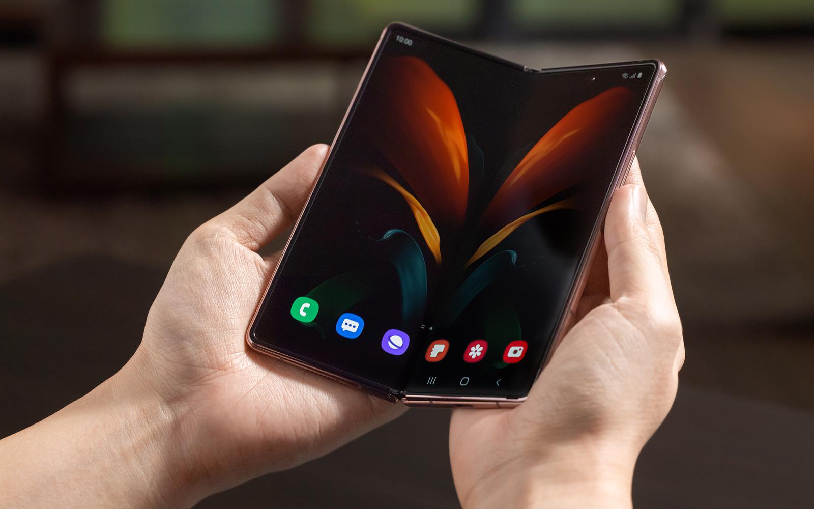 【快訊】最新三星摺疊機曝光?爆8月發表旗艦手機Galaxy  Z Fold 3