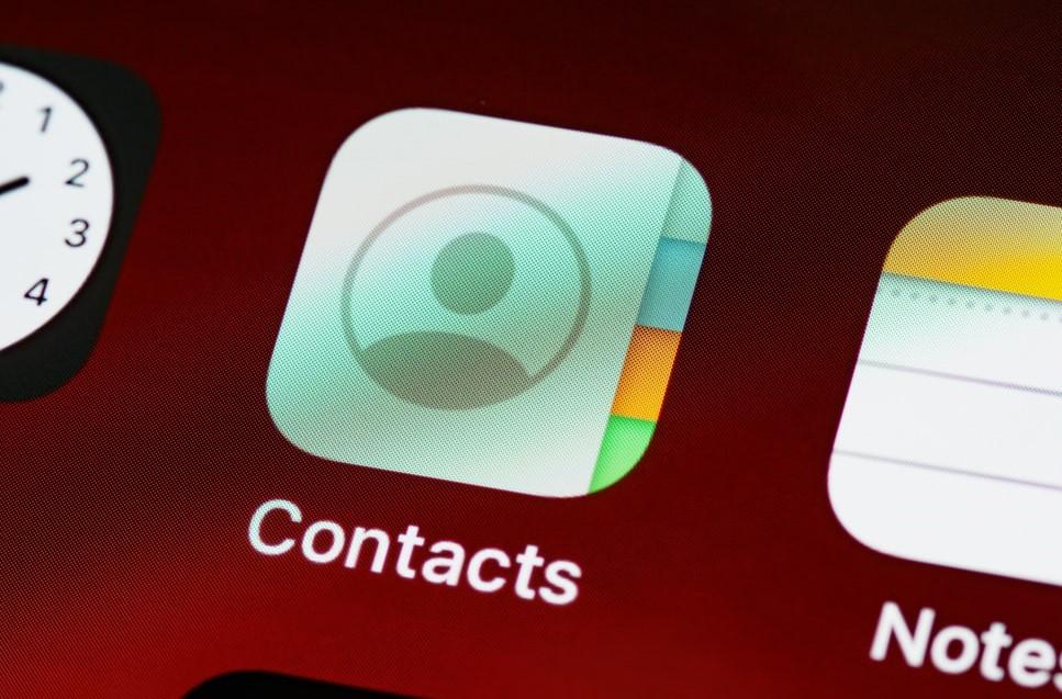 【手機專知】iPhone如何一次刪除所有聯絡人?教你這招快速清空!