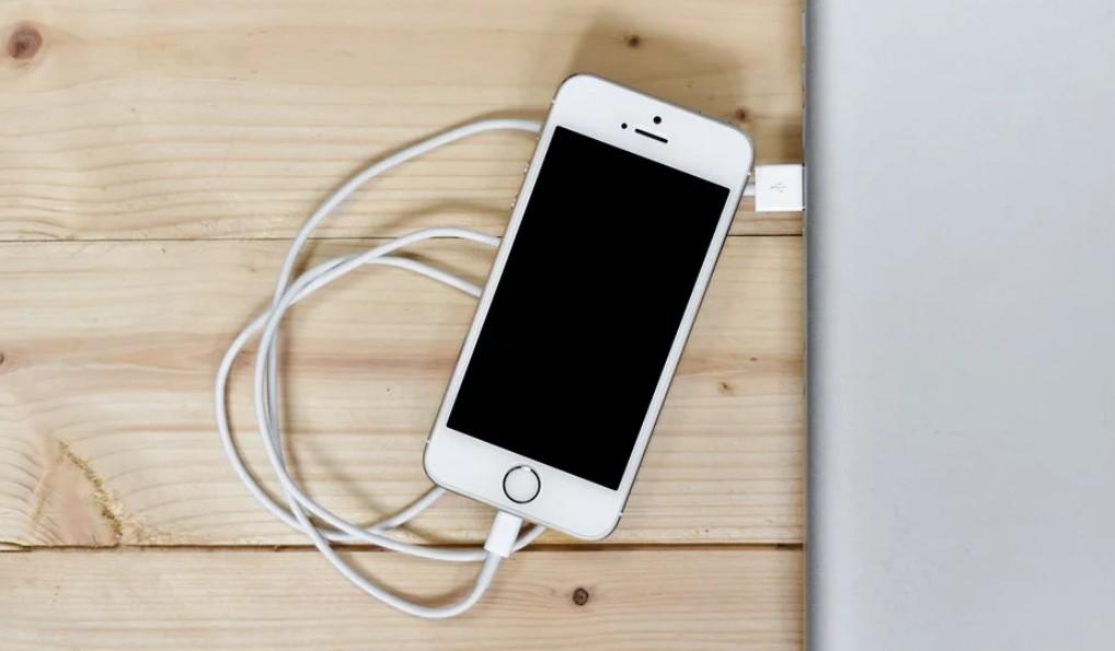 【手機專知】iPhone電池健康度如何查詢?低於多少需要更換電池?