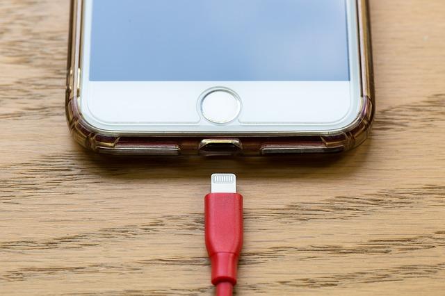 什麼是USB Type-C?常見的手機連接埠有哪些?-3