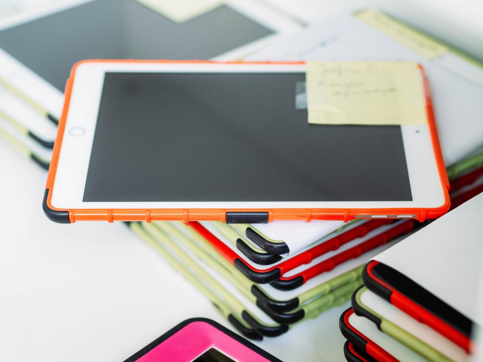 三級警戒延長 通訊行熱銷產品大洗牌:平板、Switch、耳機最夯