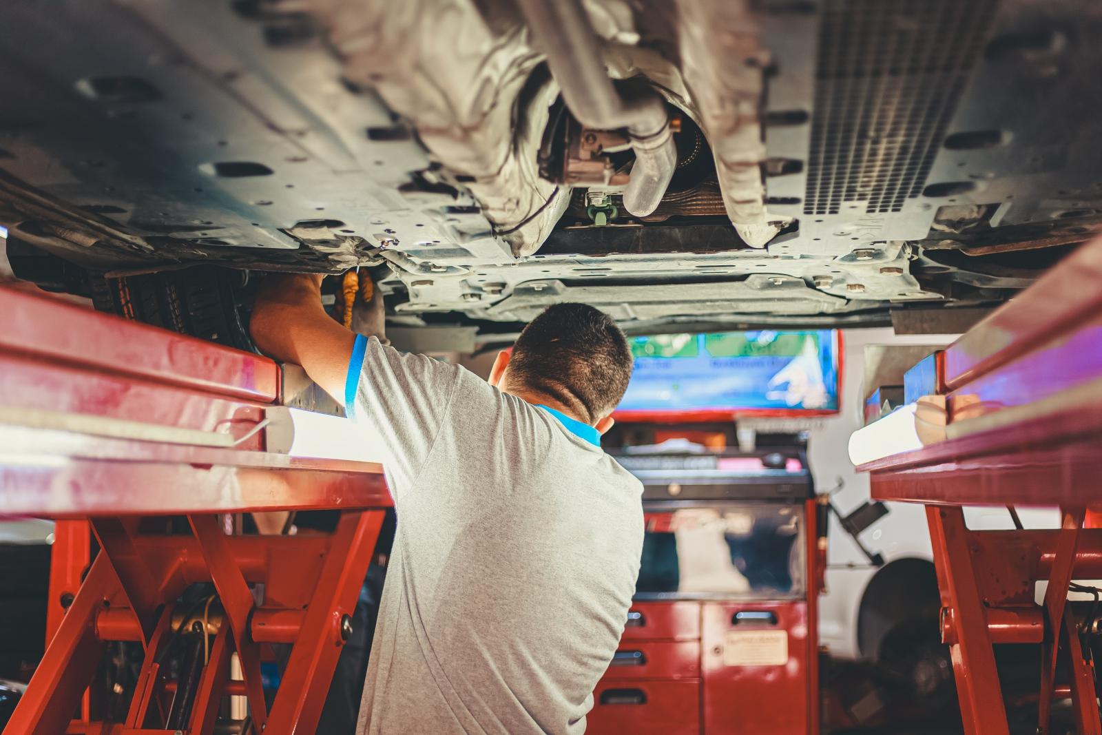 【汽車專知】汽車底盤是什麼?我們看的到底盤嗎?