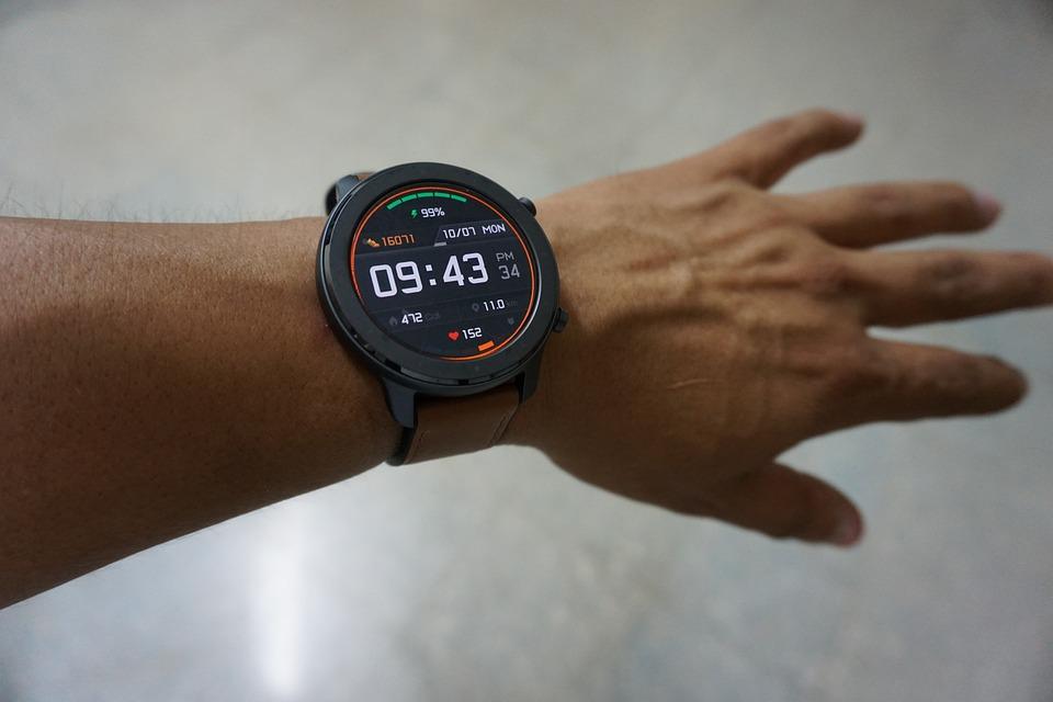 【快訊】用戶健康意識抬頭!Fibit 替智慧手錶加入「鼾聲」偵測功能