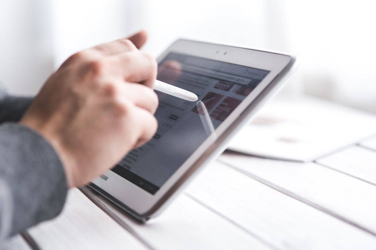 【快訊】大還要更大!《彭博》爆料蘋果不滿足12.9吋 將推更大螢幕iPad