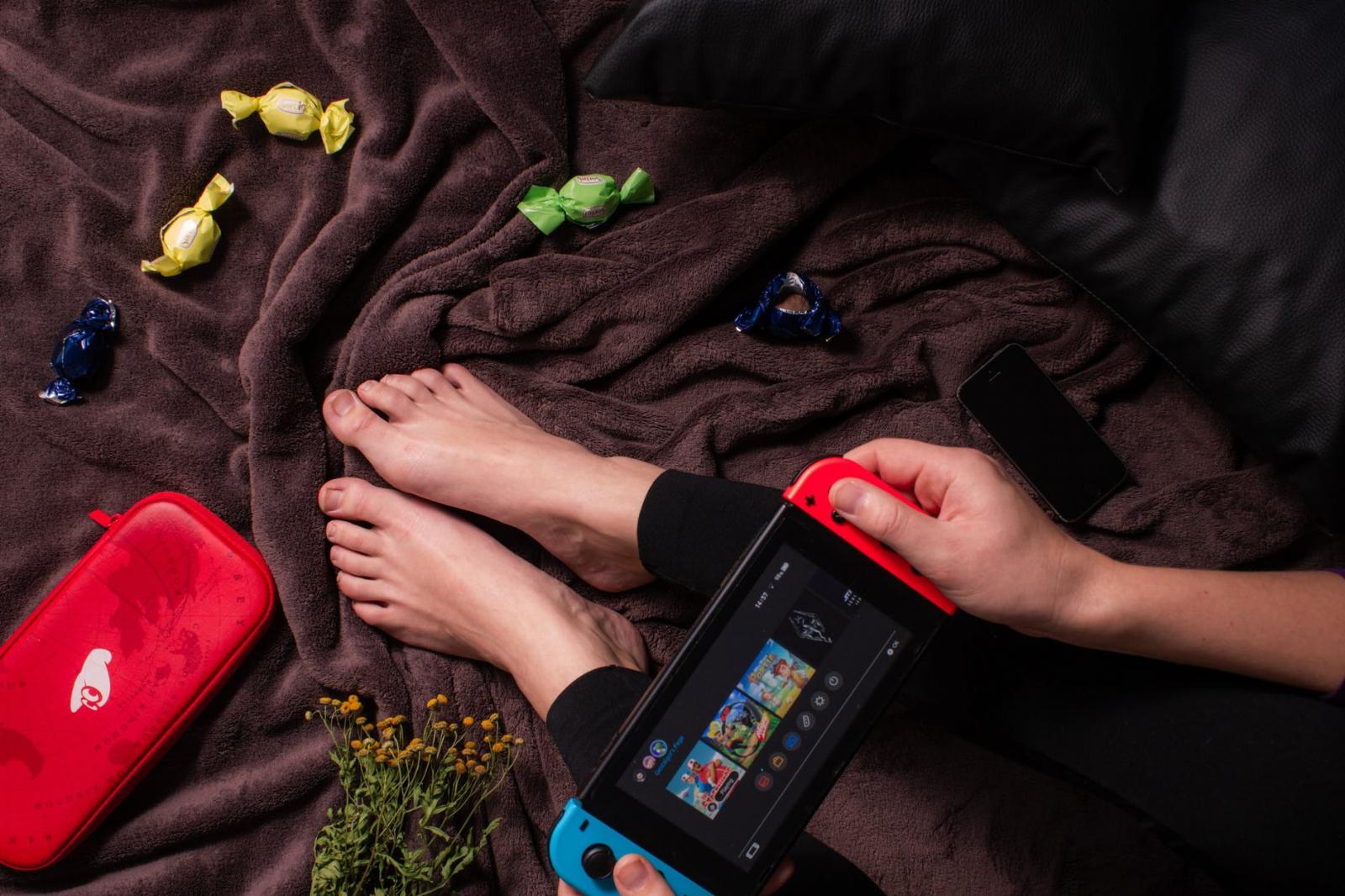 【快訊】Switch 銷售再創佳績連10月破30萬台 PS5反腰斬還恐缺貨到明年