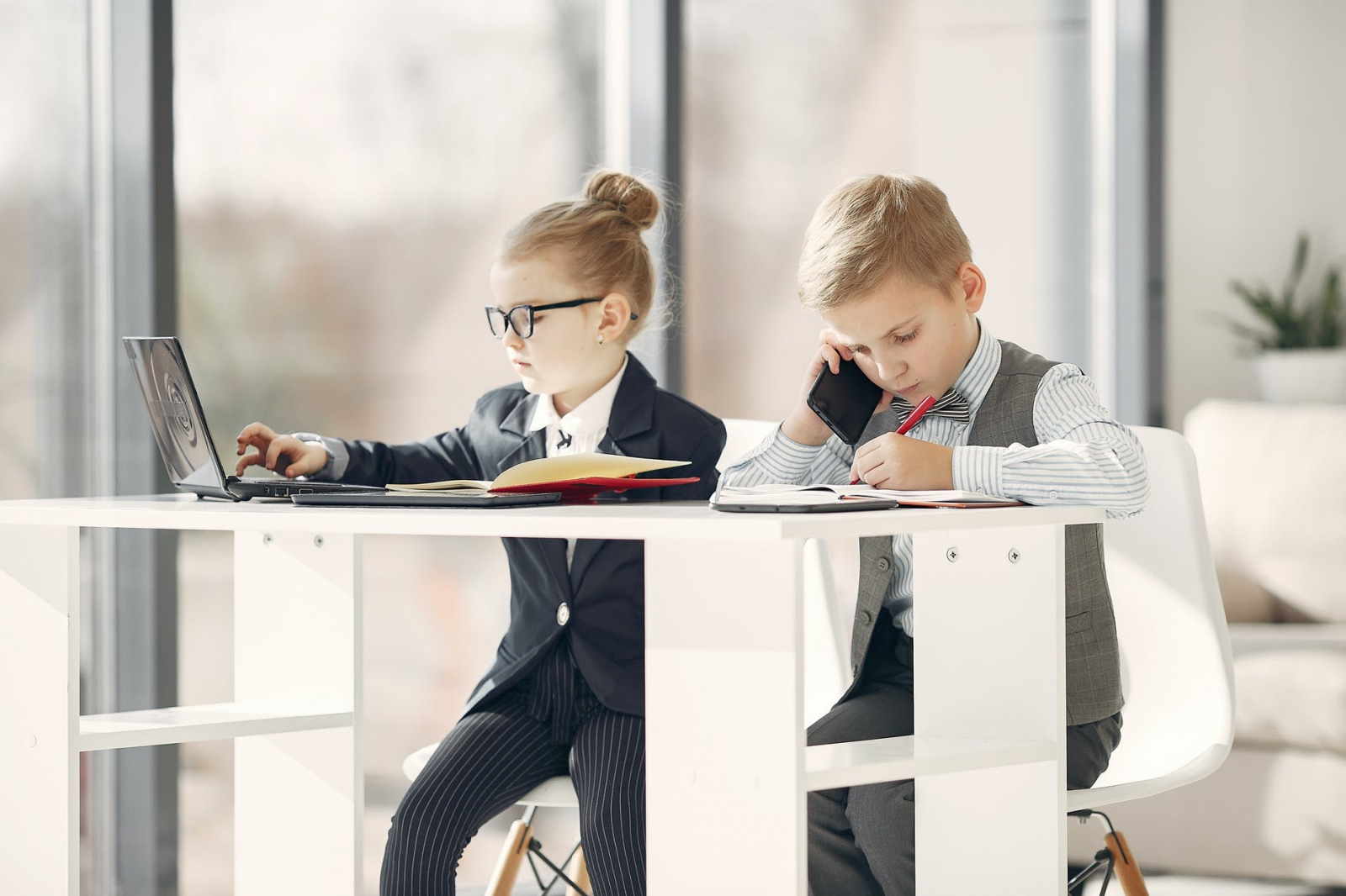 【理財專知】未成年可以買股票嗎?又該如何開戶呢?注意事項看這裡