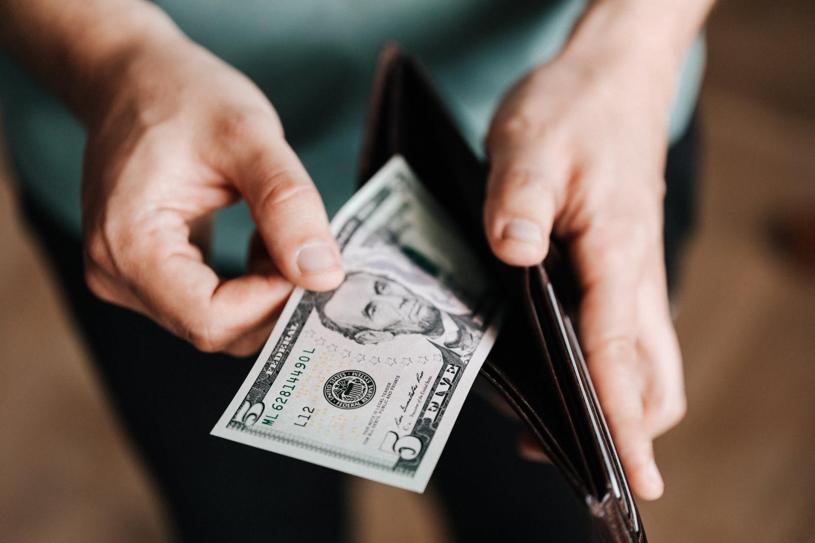 【理財專知】小資族薪水永遠不夠用?只因你沒把握自己現金流向