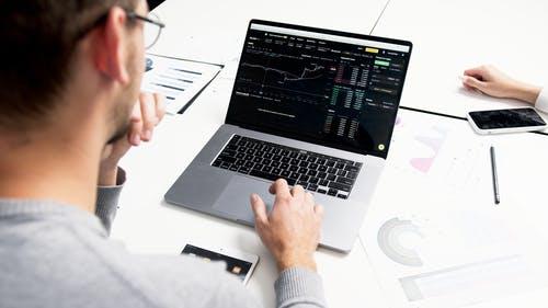 【理財專知】股票皮式分數是什麼?要如何用它選股?