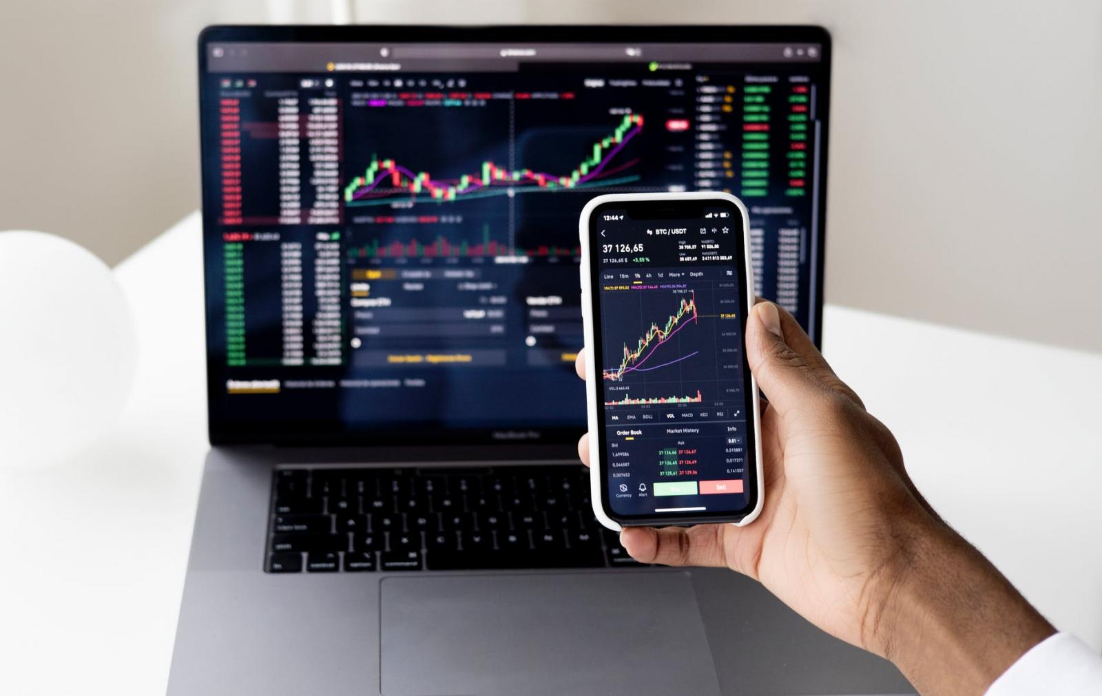 【理財專知】什麼是KD指標?快速判斷股票買賣時機就靠它
