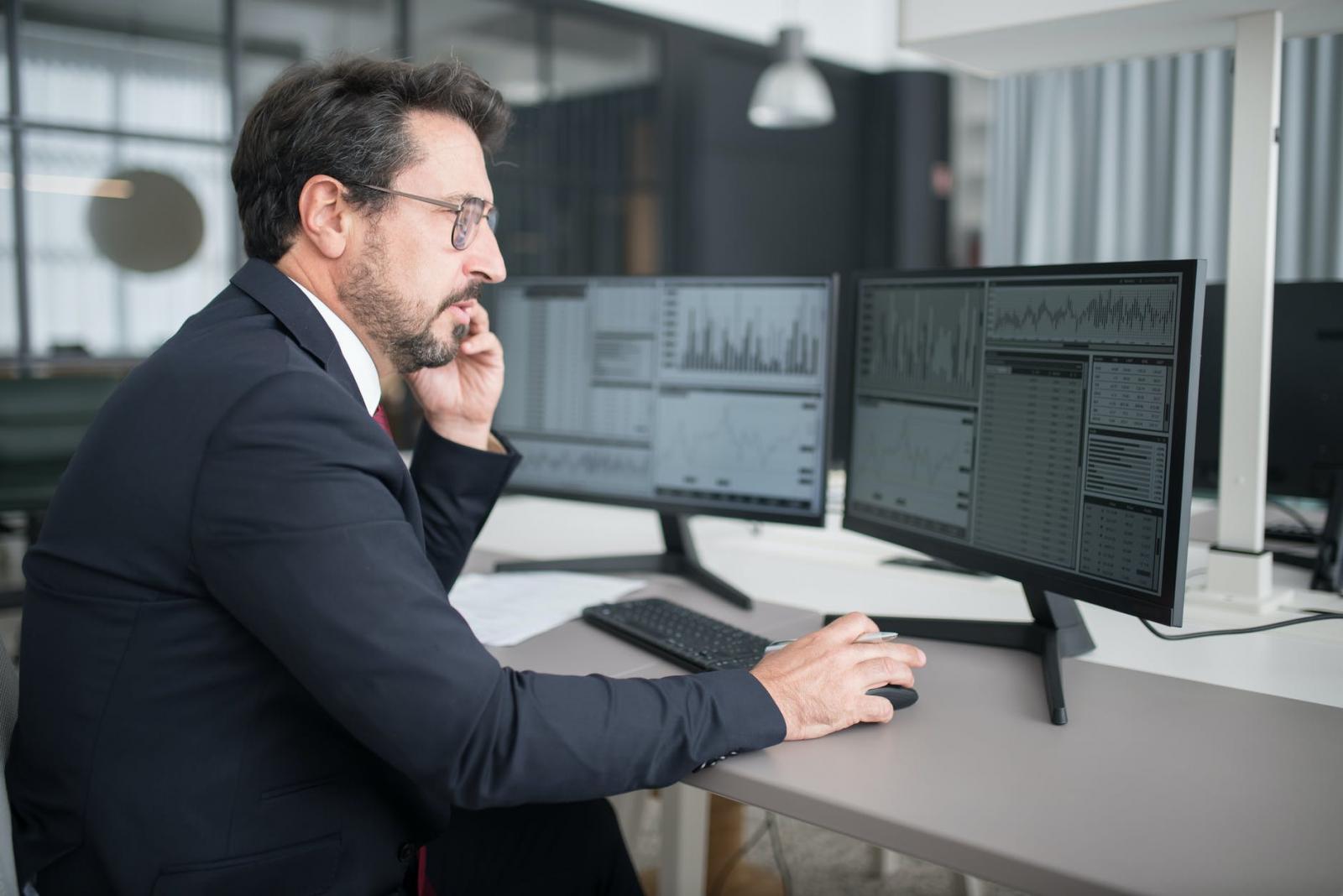 【理財專知】什麼是股票背離?遇到時該出場嗎?