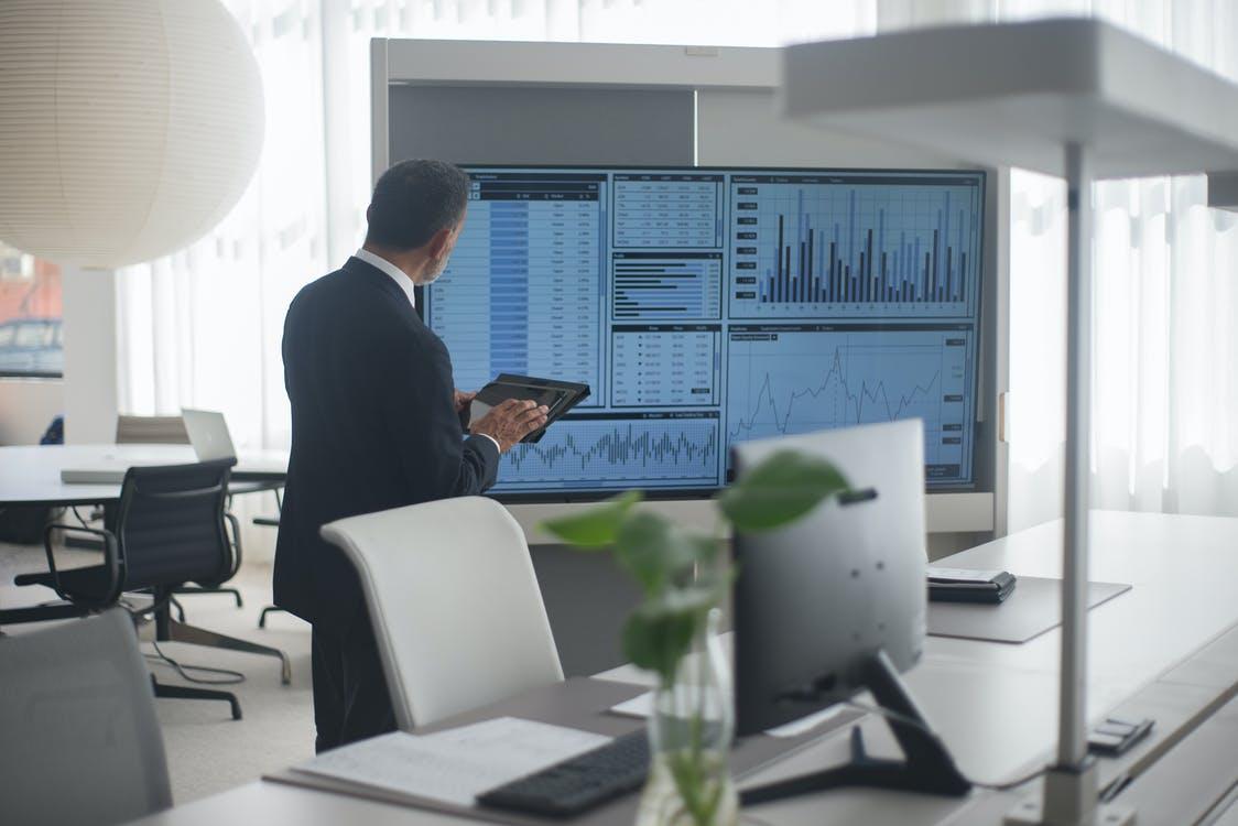 【理財專知】股票價值怎計算?3分鐘學會估價法 找出被低估股票