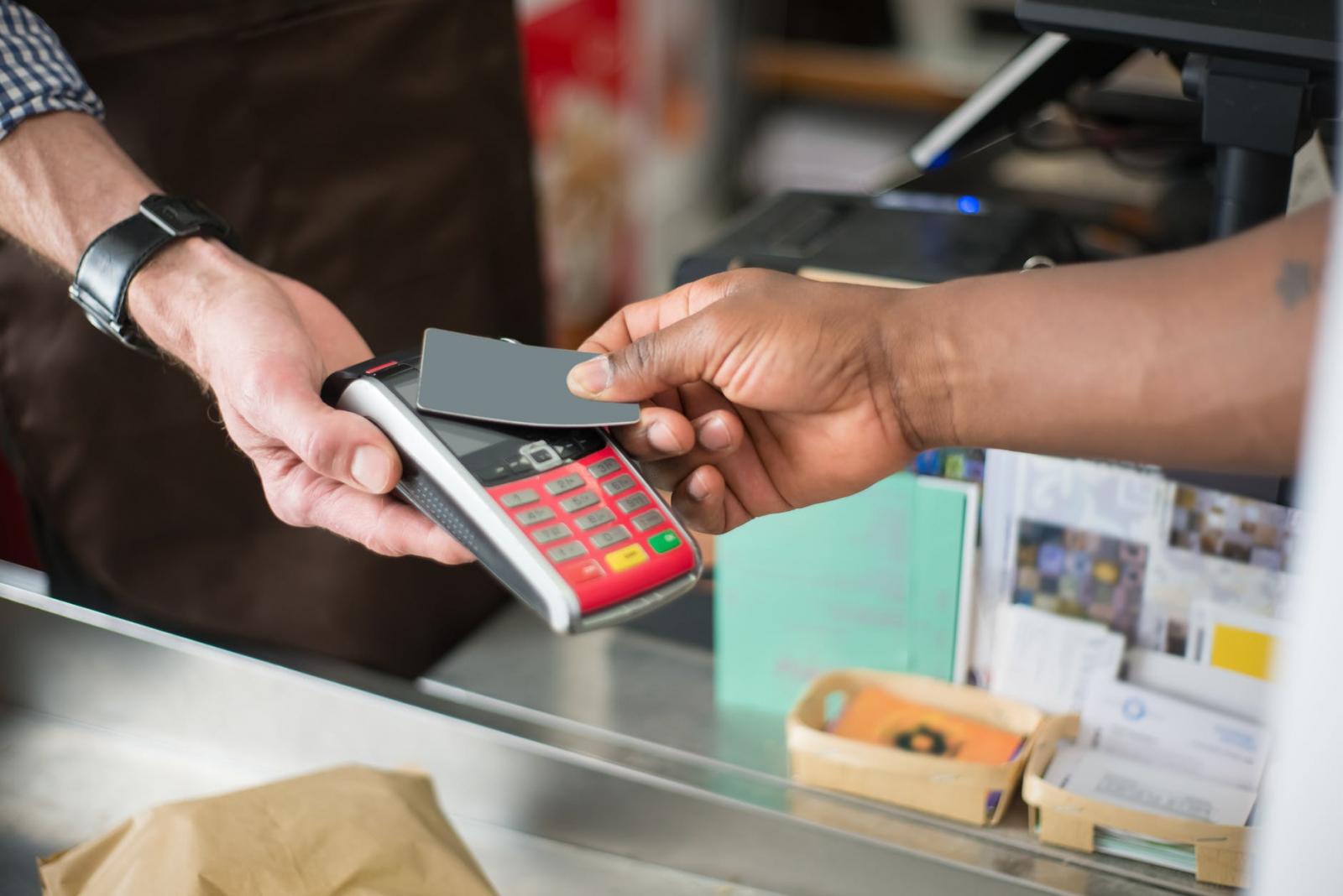 【理財專知】雙北解封開放內用!各銀行祭刷卡餐飲消費優惠 最多8.7折