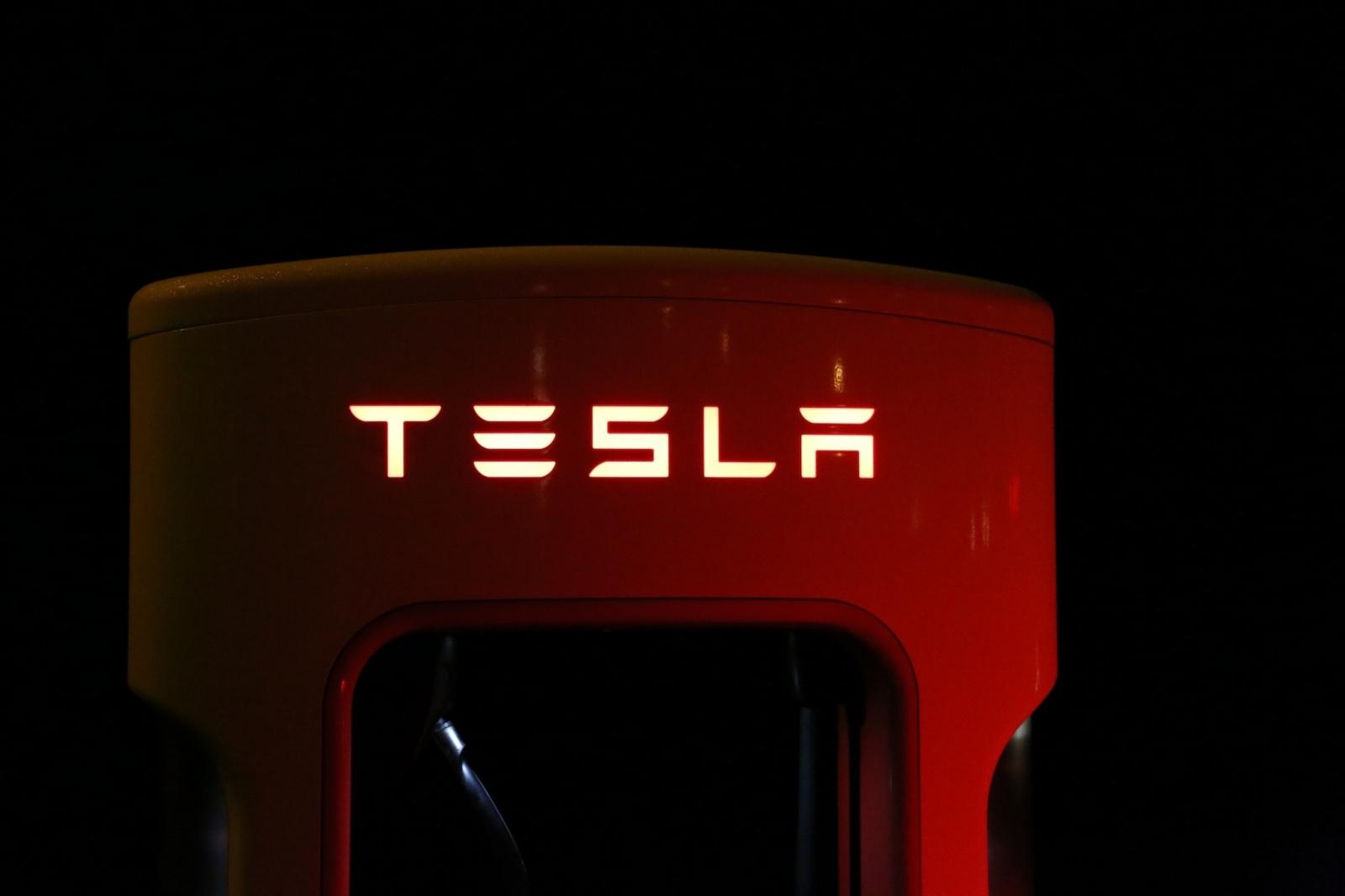 【電動車專知】Tesla充電速度夠快嗎?收費多少呢?