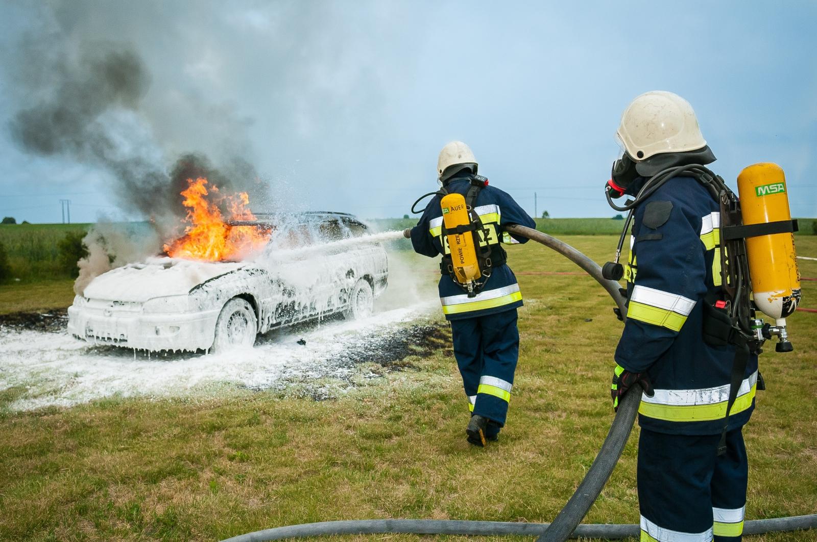 【電動車專知】電動車電池好危險?電池真的比較易燃嗎?