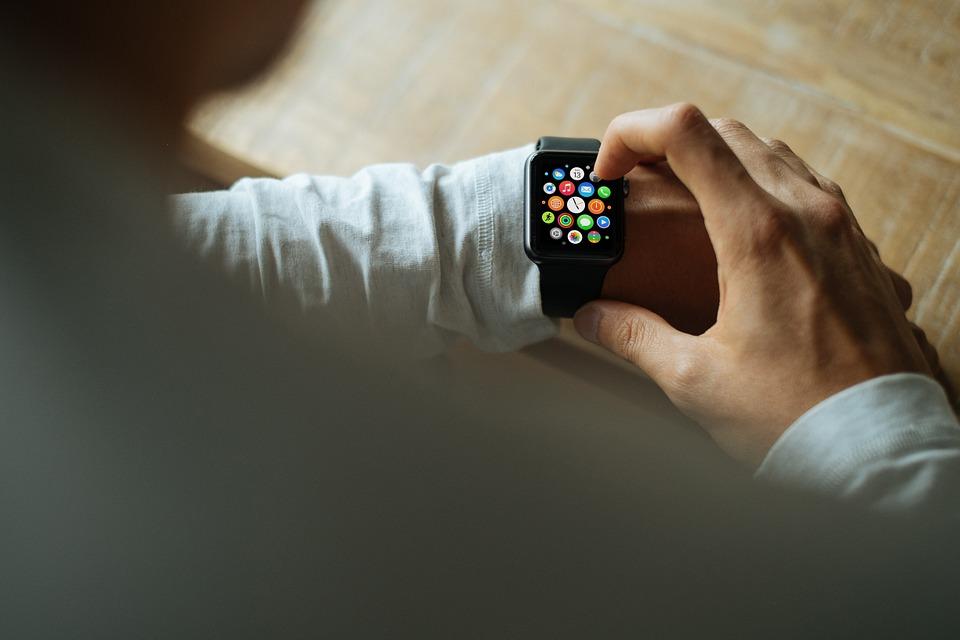 【快訊】說好的檢驗血糖、酒精呢?新Apple Watch傳外觀、螢幕大更新