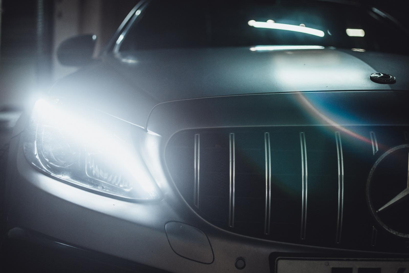 【汽車專知】行車禮儀知多少?「閃燈」、「喇吧」是什麼意思?